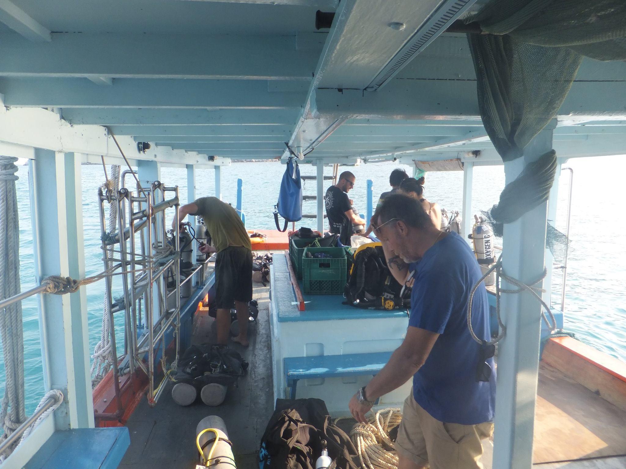 Preparing on the tech boat