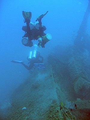 sidemount-wreck-exploration